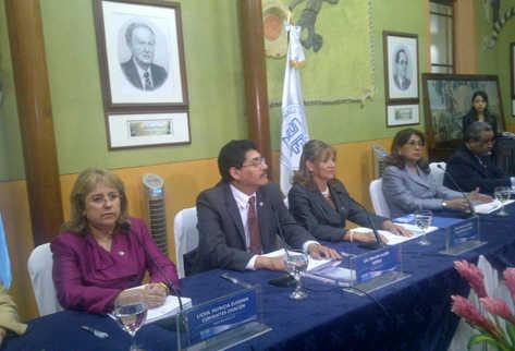 Magistrados oficializan los resultados. (Foto Prensa Libre: Erick Avila)