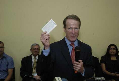 William Brownfield, secretario de Estado adjunto de EE. UU., prevé llegar al país en dos    semanas y  sería su segunda visita en menos de 18 meses; la última fue el 8 de febrero del 2011.