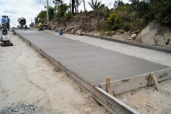 trabajos de cementado se han quedado  a medias en la zona 3 de  Huehuetenango.