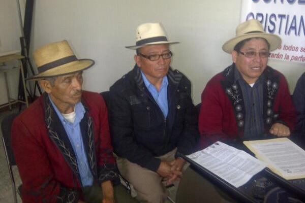 Autoridades ixiles señalan al TSE de provocar problemas a la población. (Foto Prensa Libre: Alex Rojas)