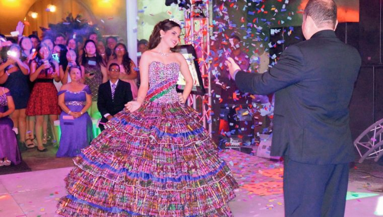 791b17ba5 Daniela Valdez Muralles es una quinceañera guatemalteca que alcanzó  popularidad en redes sociales por su vistoso