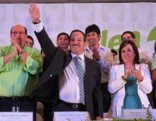 Mario Leal y Sandra Torres durante la asamblea de la UNE el pasado 12 de abril. (Foto Prensa Libre: Hemeroteca PL)