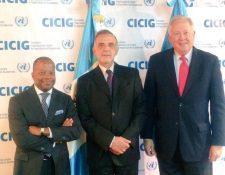 Tod Robinso, embajador de EE. UU., Iván Velásquez, jefe de Cicig y Tomas Shannon, consejero del Gobierno estadounidense en la última visita del alto funcionario al país. (Foto Prensa Libre: Hemeroteca PL)