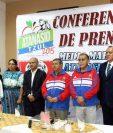 Los organizadores del medio maratón Atanasio Tzul, dieron detalles del evento. (Foto Prensa Libre: Carlos Ventura)