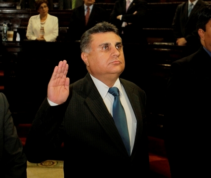 Corte suspende nombramiento de Duarte