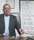 El maestro guatemalteco Guillermo de León Ruiz es el autor de la pieza Las chancletas de Nayo Capero. (Foto Prensa Libre: Esbin García)