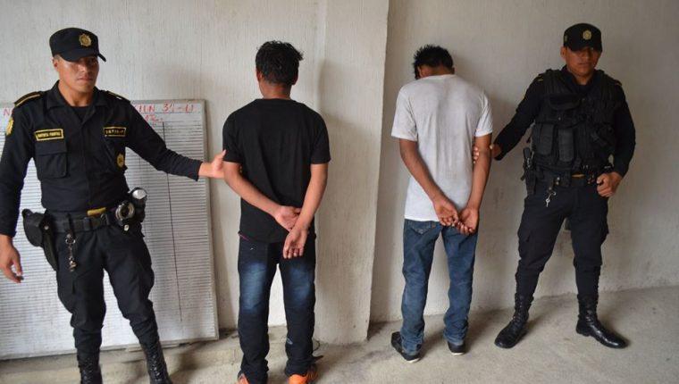 La PNC de Retalhuleu ha capturado a 27 menores en lo que va del año. En el 2015 fueron aprehendidos 28. (Foto Prensa Libre: Jorge Tizol)