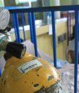 Según Salud,  el suministro de oxígeno en los hospitales del país está garantizado. (Foto Prensa Libre: Hemeroteca PL)