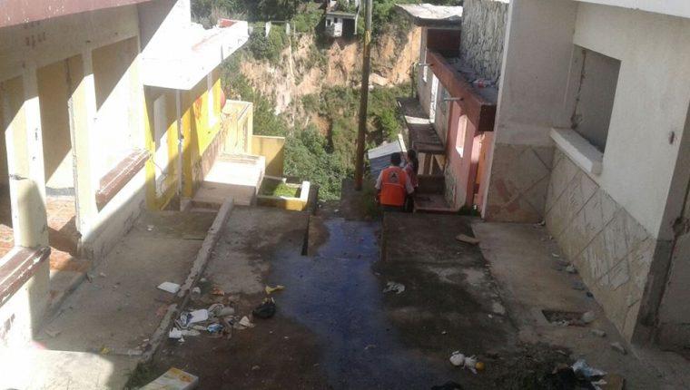 Durante  la época de lluvias los deslizamientos son frecuentes en los asentamientos humanos. (Foto Prensa Libre: Hemeroteca PL)