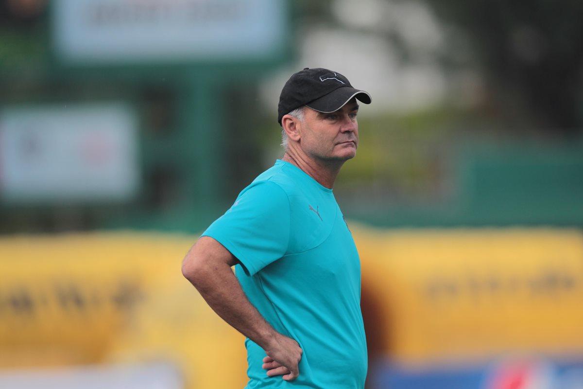El técnico Iván Franco Sopegno ha realizado variantes en su escuadra y que están afectando al plantel, pese a que marcha en la segunda casilla del torneo. (Foto Prensa Libre: Hemeroteca PL)