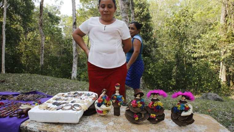 Artesanías de Uaxactún ganan aceptación y ayudan a familias – Prensa Libre
