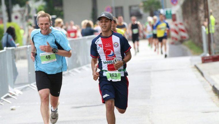 Édgar Guzmán demostró su coraje y entrega en el medio maraton. (Foto Prensa Libre: Cortesía Édgar Guzmán)