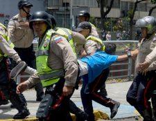 Una de las denuncias contra Maduro es por abuso de fuerzas contra manifestantes por parte de la Policía. (Foto: Hemeroteca PL)
