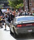 Momento en que el vehículo se dirige hacia los manifestantes en Charlottesville, Virginia. (Foto Prensa Libre: AP).