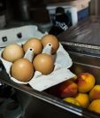 Fuerte químico en huevos amenaza la salud de millones de personas. (Foto Prensa Libre: EFE)