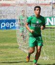El delantero Luis Martínez (derecha) volvió a jugar en la Liga Nacional con Guastatoya después de una prolongada ausencia por una lesión. Su último equipo fue Xelajú MC (Foto Prensa Libre: Hemeroteca PL)