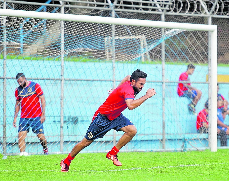 Carlos Kamiani regresa frente a Malacatán pero serán bajas Baloy, Puerari y Altán