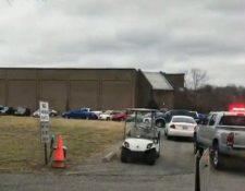 Al menos un muerto dejó una balacera en la escuela Marshall Country, en Kentucky, EE.UU. (Foto Prensa Libre: Twitter @naidusudhakar)