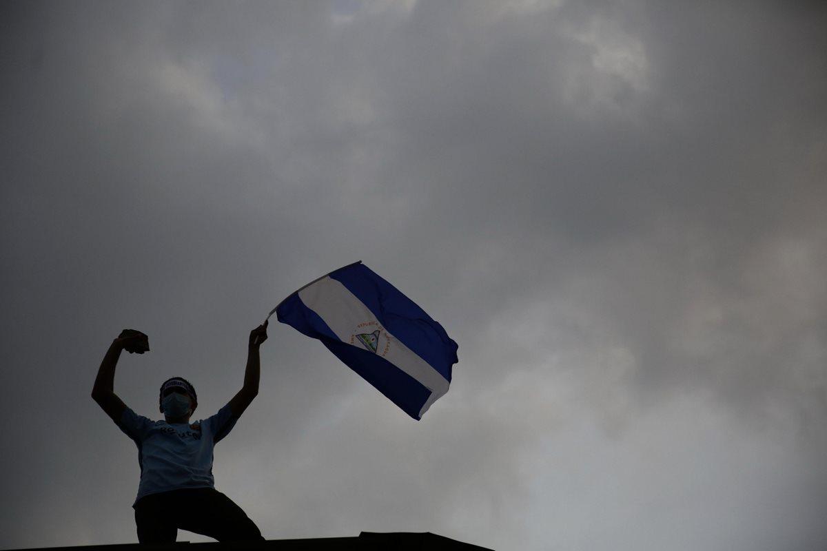 Nicaragua vivió su primer día de tregua de represión de las protestas. Miles salieron a las calles. (Foto Prensa Libre: EFE)