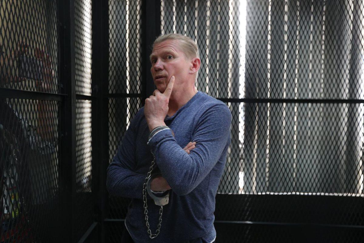 """Igor Bitkov calificó de """"injusticia"""" lo dictaminado por la jueza. (Foto Prensa Libre: Carlos Hernández)"""