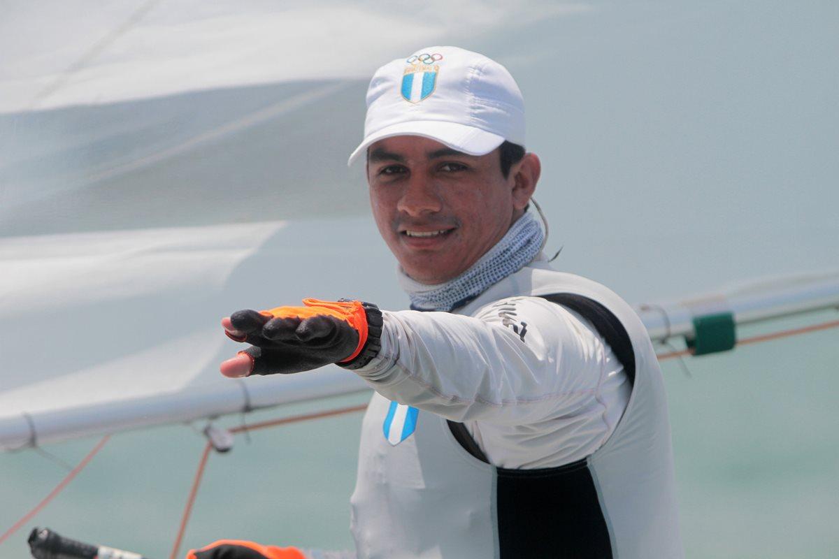 David Hernández, el pescadito de Amatitlán se baña en oro en Barranquilla