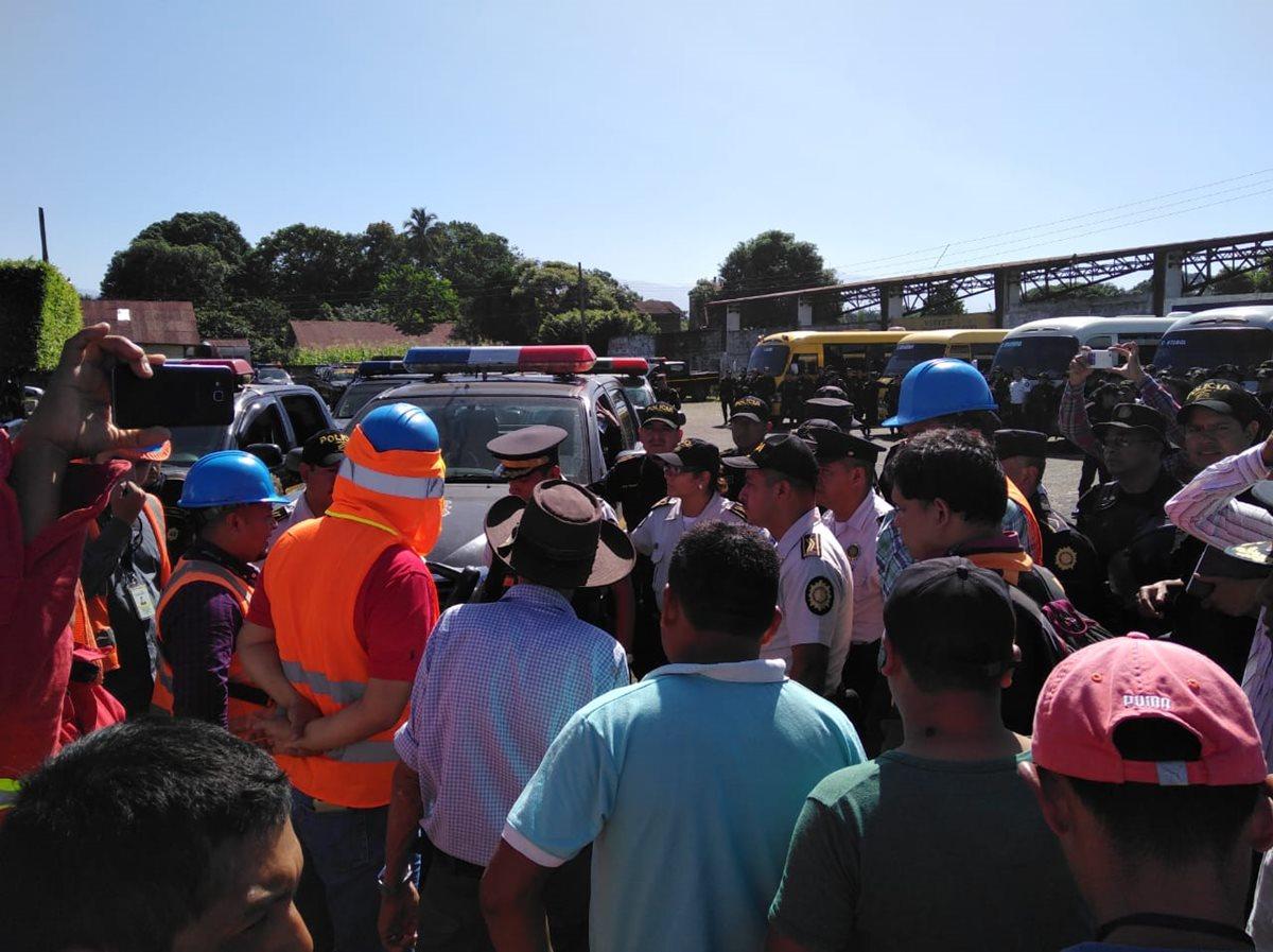 Dos mil 300 familias pasaron 23 días sin energía eléctrica en Coatepeque