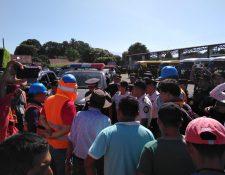 Luego de 23 días sin energía eléctrica, Energuate reestableció el servicio en comunidades de Coatepeque y Flores Costa Cuca; 2 mil 300 familias eran las afectadas. (Foto Prensa Libre: Cortesía Energuate)