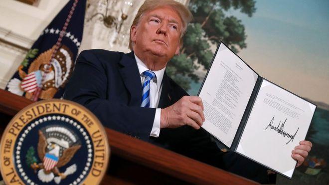 El presidente de Estados Unidos, Donald Trump, revocó en mayo la decisión de su predecesor, Barack Obama, y se salió del acuerdo donde se comprometía a levantar las sanciones. FOTO: AFP