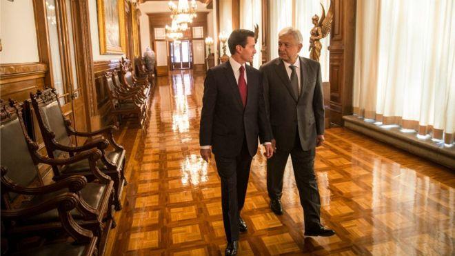"""La transición entre el presidente Enrique Peña Nieto y Andrés Manuel López Obrador es """"inédita"""". (Foto: Presidencia de México)"""