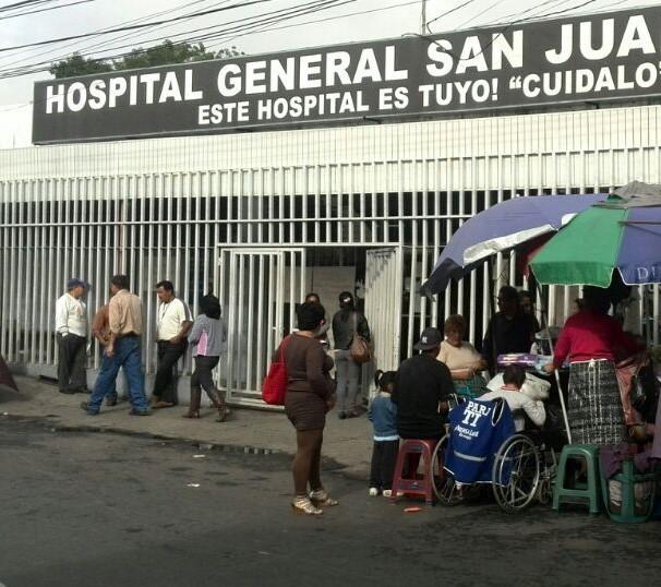 El área de cuidados intensivos pediátricos del Hospital San Juan de Dios está saturada, y atiende el triple de pacientes. (Foto Prensa Libre: Hemeroteca PL)