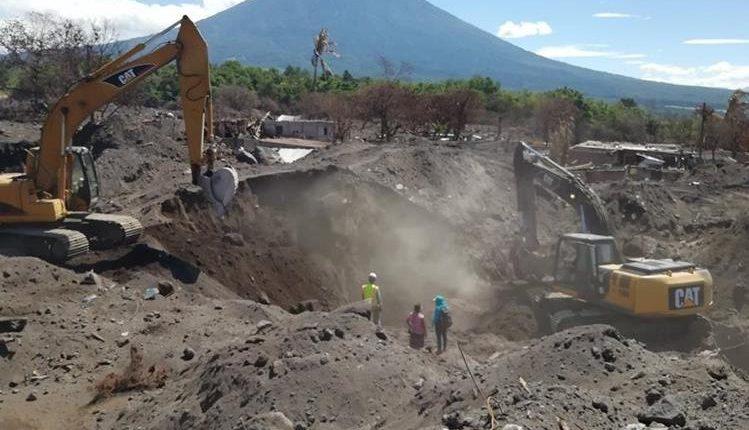 Anulan contratos otorgados por el Fodes durante el estado de Calamidad en la tragedia del Volcán de Fuego. (Foto Prensa Libre: Hemeroteca PL)