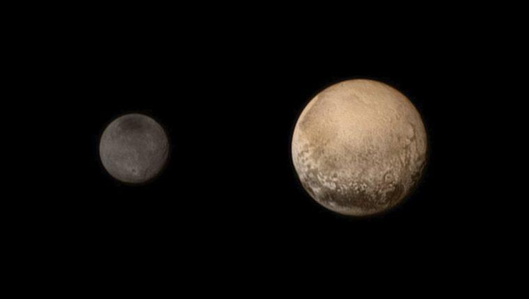 """Imagen de Plutón, captada por la nave espacial """"New Horizons"""" de la NASA, lo más cerca que se ha estado nunca del desconocido planeta. (Foto Prensa Libre: EFE)"""