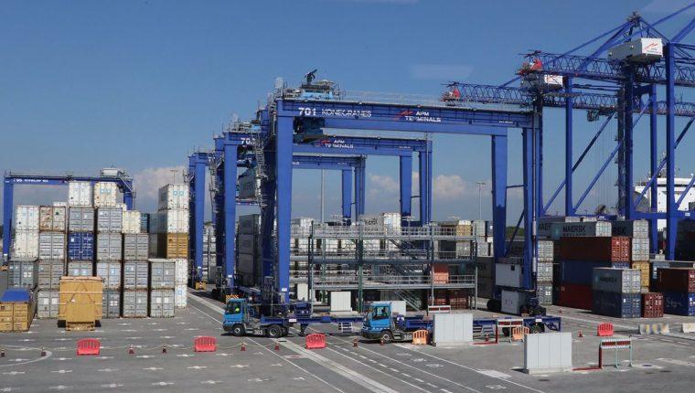 APM Terminals, en las últimas semanas, presenta congestionamiento en sus operaciones debido a un mayor volumen de carga. (Foto Prensa Libre: Hemeroteca)