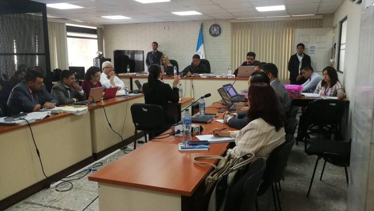 La exvicepresidenta Roxana Baldetti declaró antes de las conclusiones del juicio en el caso Agua Mágica. (Foto Prensa Libre: Kenneth Monzón).