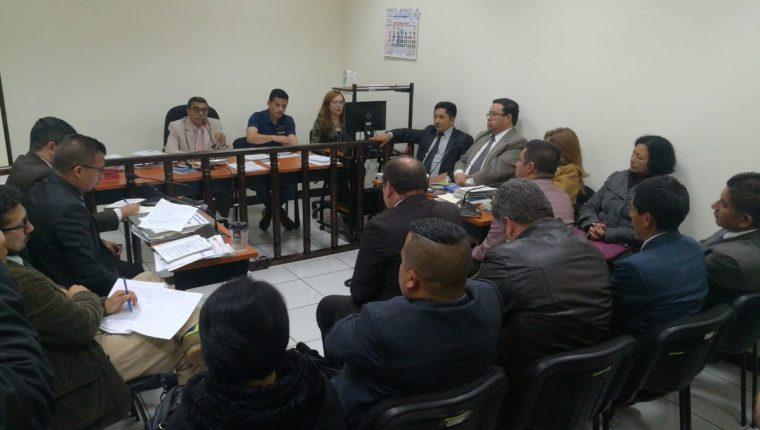 El 6 de octubre la ex corporación municipal de Quetzaltenango podría conocer la sentencia del juicio de faltas que se lleva a cabo en el Juzgado de Paz Penal de Turno. (Foto Prensa Libre: Mynor Toc)