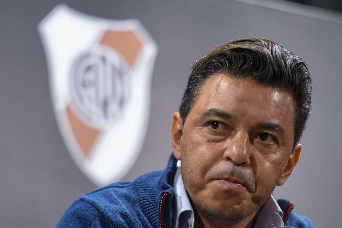 Conmebol suspende a Marcelo Gallardo pero se jugará histórica final Boca-River por Libertadores