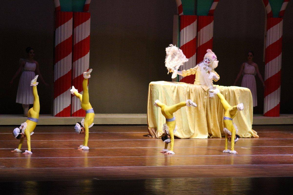 Más de 40 bailarines estarán en escena para hacer la única presentación de la época navideña en Quetzaltenango. (Foto Prensa Libre: Cortesía)