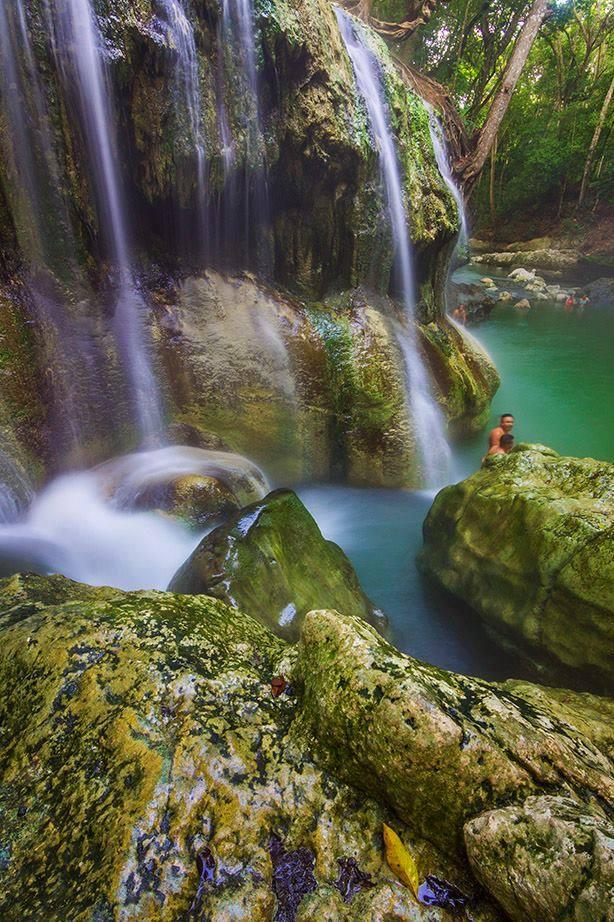 Cascada de agua termal en la Finca El Paraíso, en el Estor, Izabal. (Foto Prensa Libre: Gómez GT)