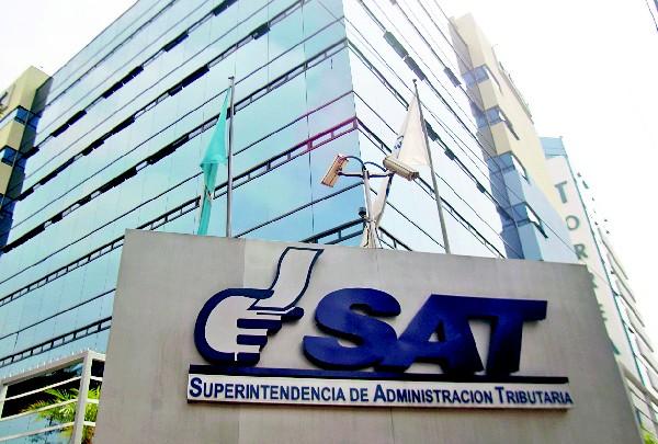 Con el supuesto pago de sobornos a exfuncionarios de la SAT, habrían conseguido agilizar el pago del crédito fiscal. (Foto Prensa Libre: Hemeroteca PL)