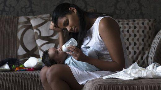 Algunas madres que han sido víctimas del abuso de sus hijos los criaron solas. ISTOCK/GETTY IMAGES