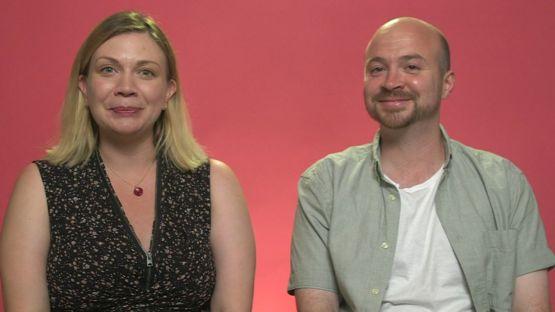 Amanda y Steve son padres de un niño de 22 meses y aseguran que las rutinas consumen sus energías.