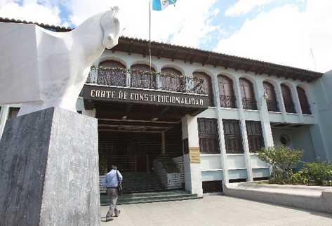 La Corte de Constitucionalidad en fallos distintos a otorgado amparos a sus magistrados. (Foto Prensa Libre: Hemeroteca PL)