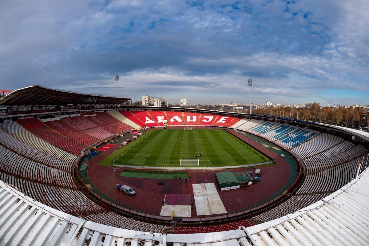 El estadio Rajko Mitic en Belgrado es el escenario donde se disputará el partido Estrella Roja vs PSG. (Foto Prensa Libre: AFP)