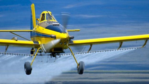 En el futuro podrían haber aviones que esparzan partículas que creen una película protectora para la Tierra. GETTY