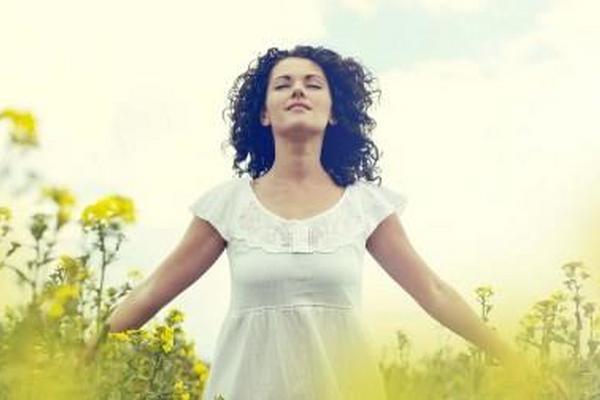 Respirar profundamente reduce considerablemente los niveles de estrés. (Foto Prensa Libre: Archivo)