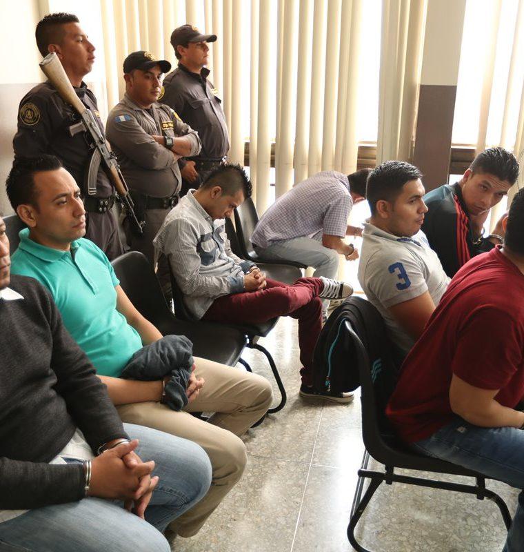 Audiencia a supuesta banda de saqueadores , integrada por 10 hombres que se dedicaban al robo en residencias en la ?rea metropolitana.    Fotografia Esbin Garcia