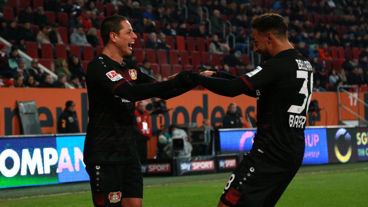 "Así festejó Javier el ""Chicharito"" Hernández, en el Bayer Leverkusen. (Foto Prensa Libre: Twitter Bayer Leverkusen)"