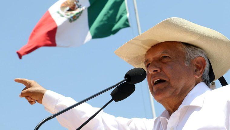 Andrés Manuel López Obrador participa en un acto de campaña el 28 de mayo en la ciudad de Zitácuaro, estado de Michoacán, México. (EFE)