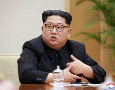 El líder norcoreano, Kim Jong-un, anunció este viernes la suspensión de las pruebas atómicas y misilísticas de su país. (Foto Prensa Libre:EFE).