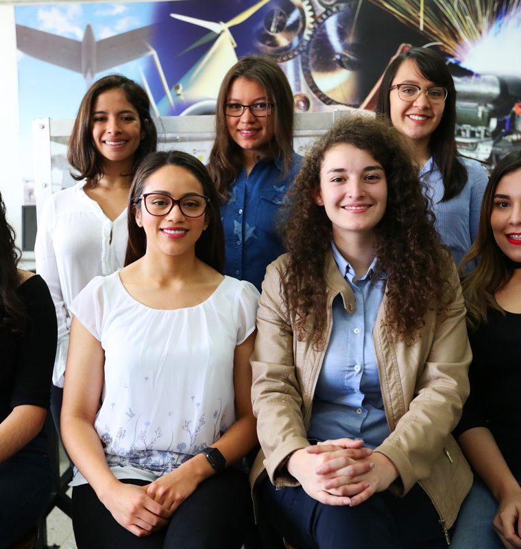 Siete estudiantes de la Universidad del Valle de Guatemala, que cursan diversas carreras,  forman parte del equipo de 67 participantes que construyen el CubeSat, cuyo lanzamiento al espacio  está previsto para el 2019.
